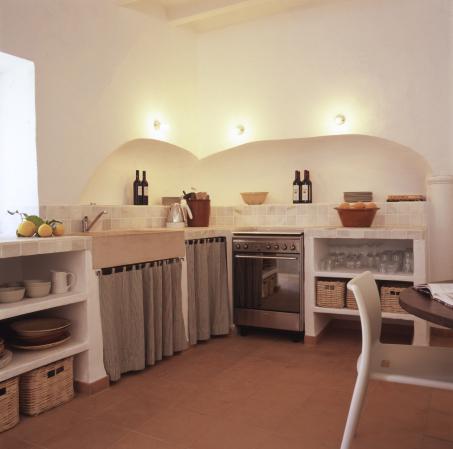 The kitchen/entrada